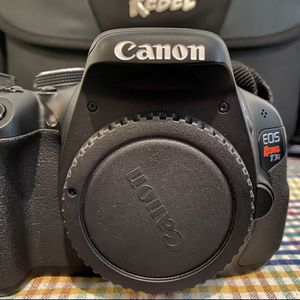 Canon EOS Rebel T3i - Working device in mint condition BEST DEAL for Sale in Frisco, TX