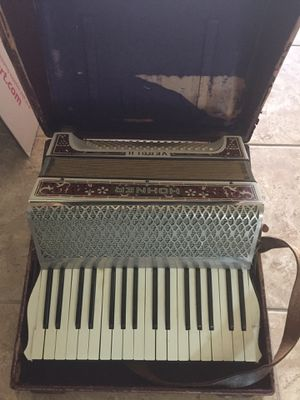 Antique-Accordion Hohner (need TLC) for Sale in Gulf Breeze, FL