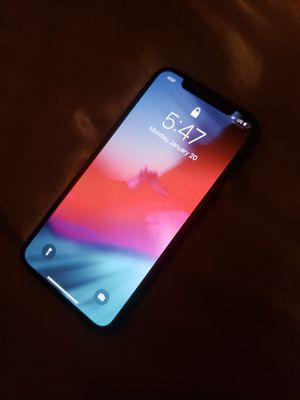 Iphone X - AT&T for Sale in Hesperia, CA