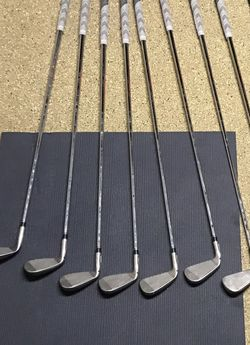 Talor Made M5 Irons Sw , Pw -5 i , + Sim 4 i for Sale in Camp Pendleton North,  CA