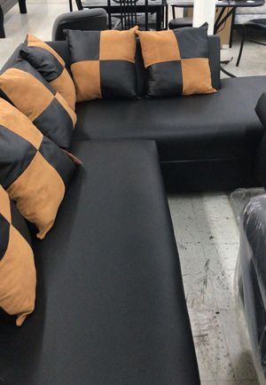 FURNITURE NEW SECTIONAL BLACK. MUEBLES SECCIONAL NUEVO NEGRO for Sale in Pinecrest, FL