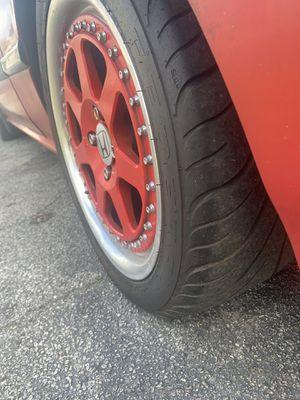 16 rims good tires 550 obo se negosea por ahos 16 &8 for Sale in Kissimmee, FL