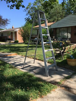 8' Aluminum Step Ladder for Sale in Westland, MI