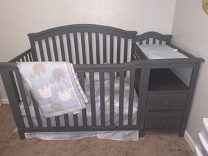 Grey crib like new for Sale in Turlock, CA