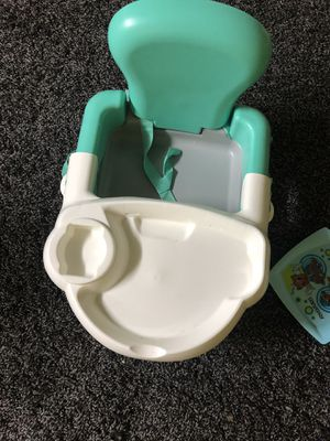 Snack & go booster seat for Sale in NO POTOMAC, MD