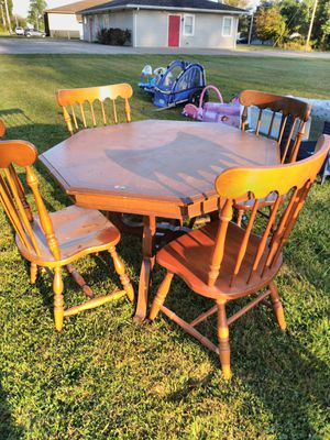 5 piece dining room kitchen set for Sale in Lorain, OH