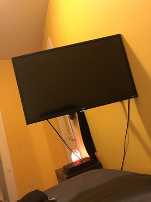 TCL ROKU SMART TV 32 inches for Sale in Brooklyn, NY