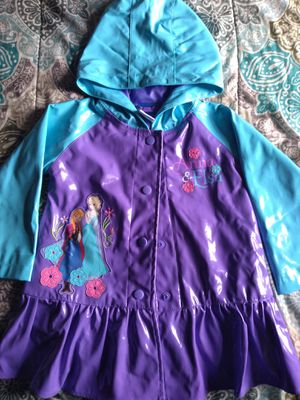 Anna and Elsa rain jacket size 2t for Sale in Boston, MA