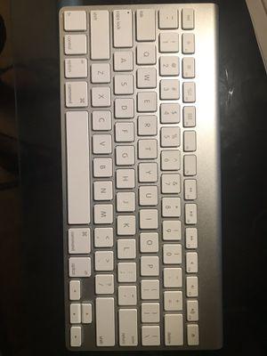 Apple wireless keyboard A1314 model for Sale in Lombard, IL