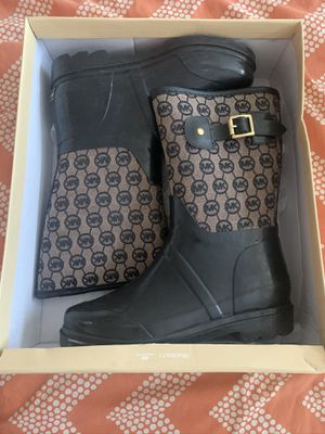 Women's Micheal Kors Rain Boots sz 7 for Sale in Forestville, MD