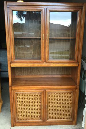 Mid century China hutch antique for Sale in Lake Worth, FL