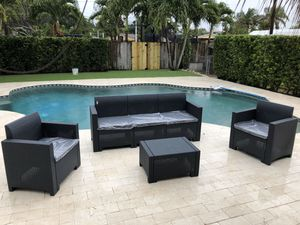 Patio furniture for Sale in Miami, FL