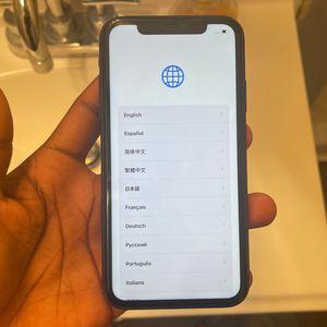 Black iPhone 11 for Sale in Evansville, IN