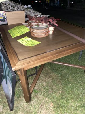 Kitchen table for Sale in Columbus, OH