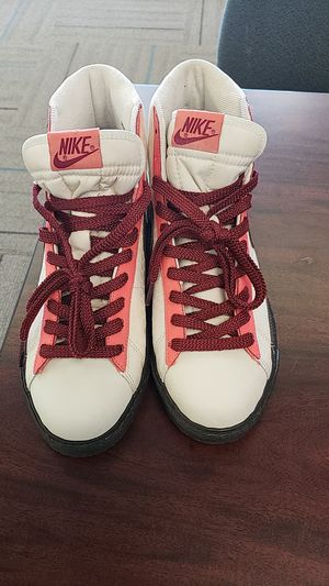 Nike 2007 High Top Blazer Womens Shoes Size 10 Excellent Condition 317808-121 Sail Dark Cinder for Sale in San Antonio, TX