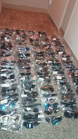 225 Pairs of Brand New Sunglasses for Sale in Takoma Park, MD