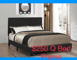 Brand new platform queen size bed frame for Sale in Chicago, IL