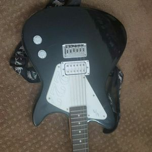 Guitar for Sale in Vancouver, WA