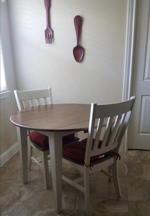 Small Kitchen Table & 2 chairs for Sale in Austin, TX