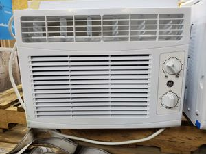 GE 5,000 BTU ac unit for Sale in Ellwood City, PA