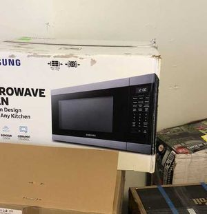 Microwave Liquidation 3Q4KP for Sale in Houston, TX