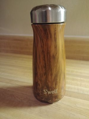 S'well 16oz water bottle for Sale in Arvada, CO