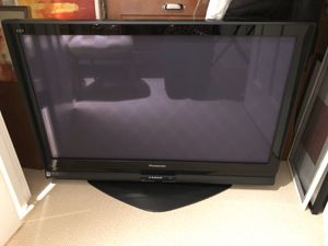 "42"" Panasonic HD plasma tv with stand for Sale in Seattle, WA"