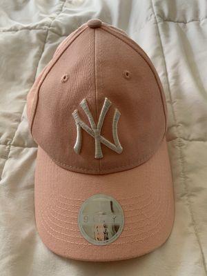 NYC pink hat for Sale in Redwood City, CA
