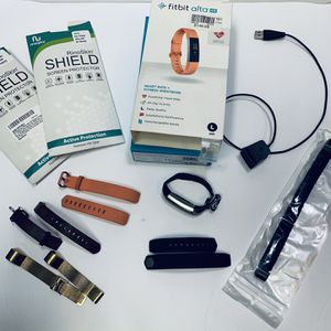 Fitbit Alta HR & accessories for Sale in Colorado Springs, CO