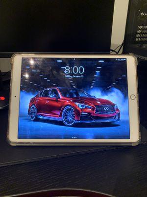 iPad Pro 10.5 inch 64 GB Cellular w/ Apple Pencil for Sale in Miami, FL