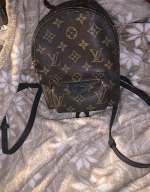 Louis Vuitton Palm Springs bag for Sale in Bell, CA
