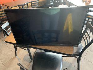 """6 Screen VIZIO TV 36"""" for Sale in Tarpon Springs, FL"""
