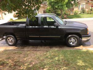 04 Chevy Silverado for Sale in Fresno, CA