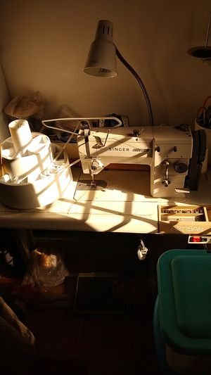 Singer 20 u53 artisan sewing machine. for Sale in Stockton, CA