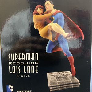 FLEISCHER STUDIOS SUPERMAN RESCUING LOIS LANE COLLECTABLE STATUE . for Sale in Lawrenceville, GA