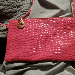 Cute Pink Crocodile Purse for Sale in Manchester Township, NJ