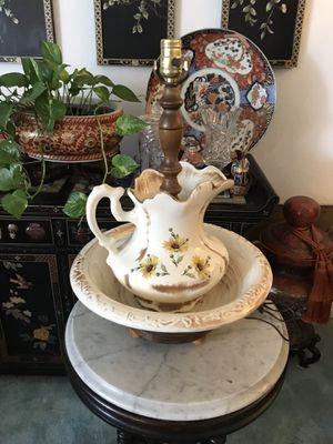 Beautiful lamp for Sale in Pasadena, CA