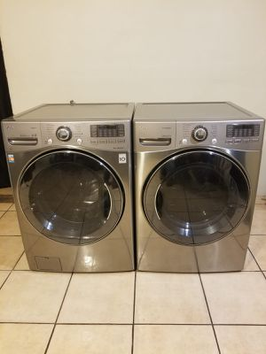 WWWOOWWWW!!!! BEAUTIFUL LG WASHER AND GAS DRYER LARGE CAPACITY STACKABLE for Sale in Glendale, AZ