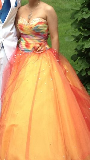 Prom dress size 6 beautiful condition for Sale in Elyria, OH
