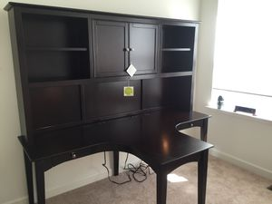 Double desk with Hutch for Sale in Lake Shore, MD