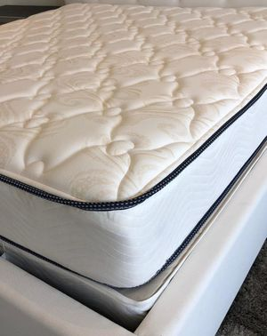 NEW KING MATTRESS PILLOWTOP AND BOX SPRING 2 PC. BED FRAME IS NOT INCLUDED for Sale in Greenacres, FL