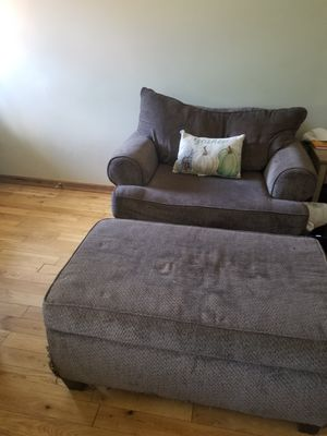 Living room furniture $300 obo for Sale in Columbus, OH