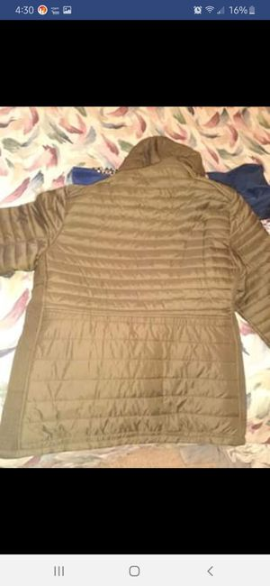 Brand new winter coat size 3xl. Green and gold metal zipper for Sale in Fort Wayne, IN