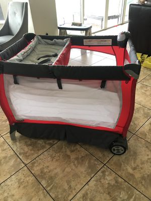 Chicco Baby Play Pen, Pack n Play, Traveling Changing Table with Sound and Light for Sale in West Palm Beach, FL