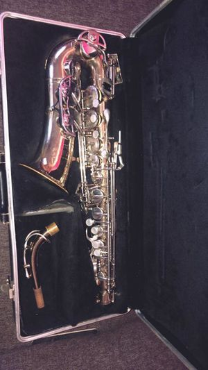 Buesher Aristocrat Alto Saxophone for Sale in Los Angeles, CA