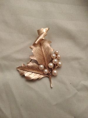 Leaf and pearl brooch for Sale in Aspen Hill, MD