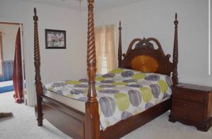 Bedroom set 2 comforters for winter and summer, box spring, and blinds. for Sale in Williamsville, NY