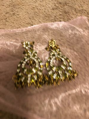 Green and black earrings for Sale in Bethesda, MD