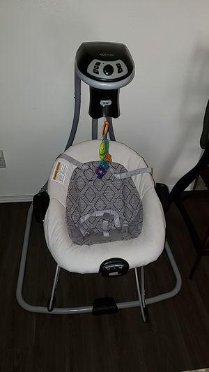 Graco silla mecedora de bebe for Sale in Portland, OR