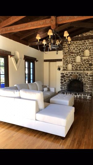 Cream White Leather Sectional w Ottoman Brand New (Can Deliver) for Sale in San Diego, CA